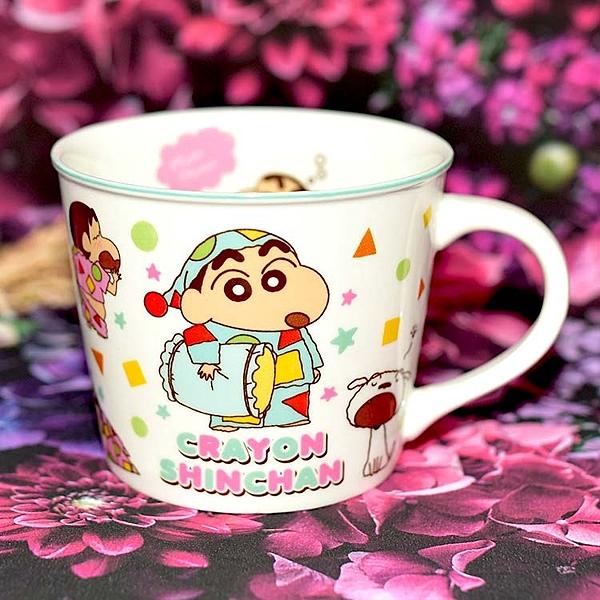 蠟筆小新 陶瓷馬克杯 附彩盒 日本正版品 彩色卡通漫畫風格 非常特別 口徑9×高8cm 250ml