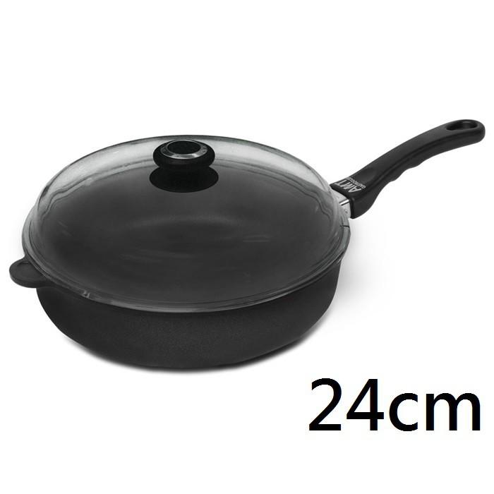 美味充滿居家生活中!全球唯一達到5層不沾塗層的不沾鍋,堅持手工鑄造,鍋身鍋底約8-10mm的超厚底部,重壓鑄鋁打造,受熱均勻、導熱效果佳,導熱效能是一般不鏽鋼鍋的16倍,除通過德國TUV、德國LGA檢