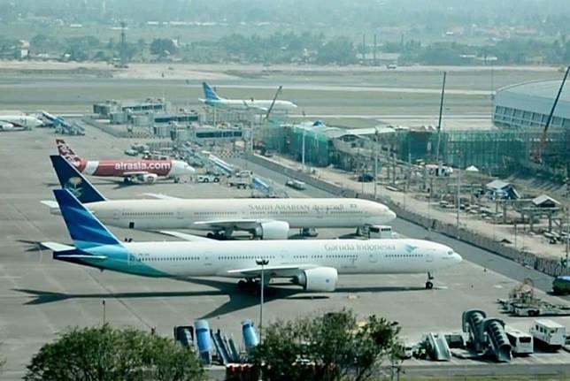 Pesawat Garuda Indonesia di Bandara Internasional Soekarno-Hatta, Tangerang, Banten.