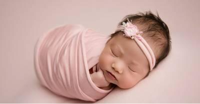 Tên con gái sinh năm Kỷ Hợi có chứa chữ này cả đời sung túc, hạnh phúc, bình an