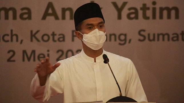 Calon Ketua Umum Kadin Anindya Bakrie di Padang, Sumatera Barat.