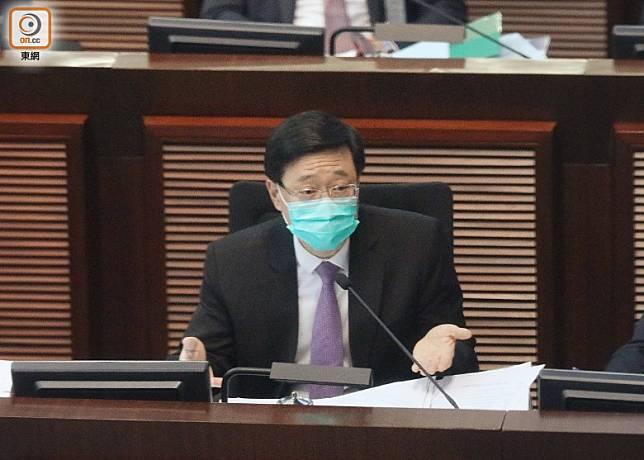 李家超指絕對尊重法庭就「七警案」的裁決。(羅錦鴻攝)