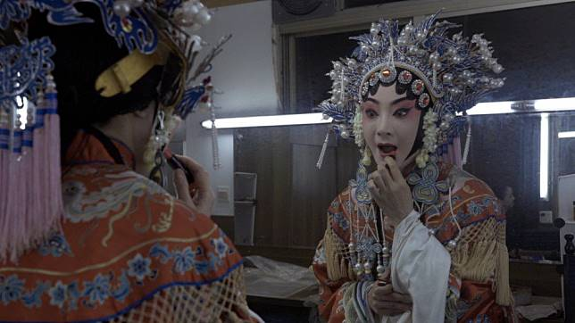 Photo essay: What it takes to be a Chinese opera singer