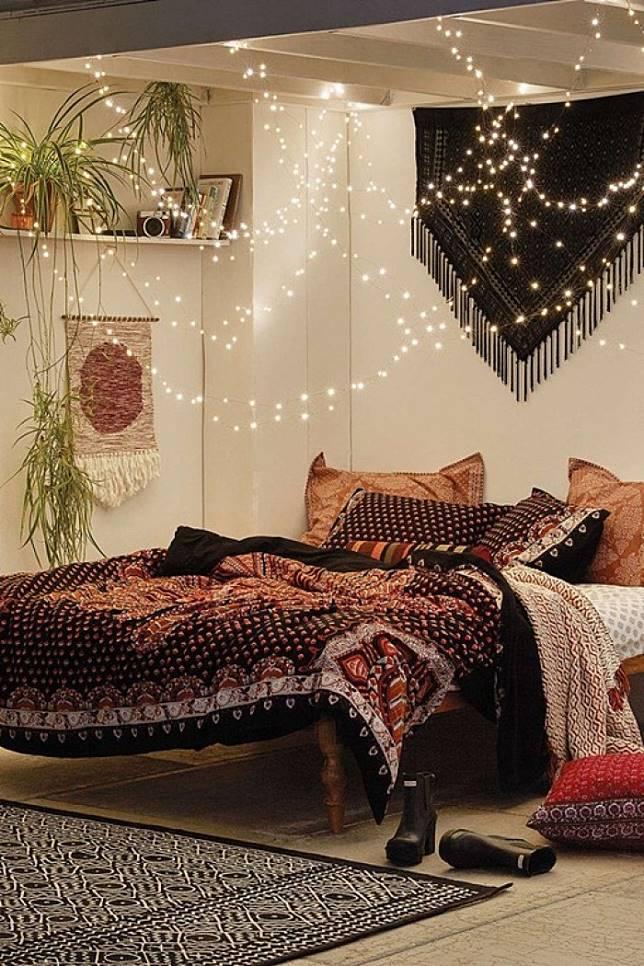 Desain Kamar Tidur Dengan Lampu Hias Kreasi Rumah