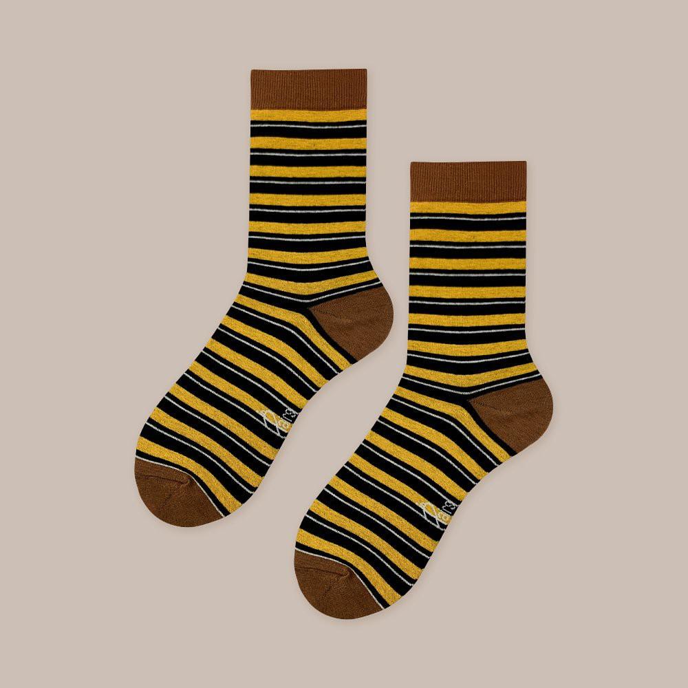 In Pairs【橫條紋】橫條紋-咖啡中筒襪