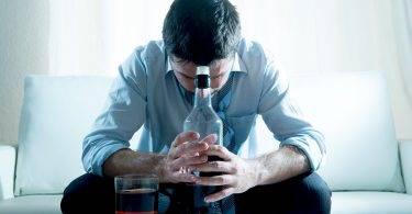 糖尿病又愛喝酒,壯男命根子險不保