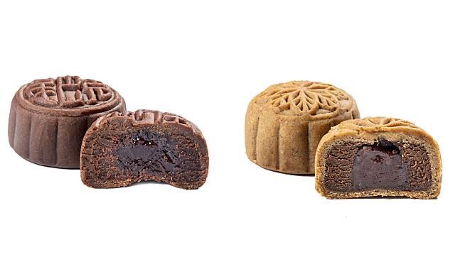每個禮盒內有兩款口味:朱古力咖啡麻糬月餅、伯爵紅茶麻糬月餅。