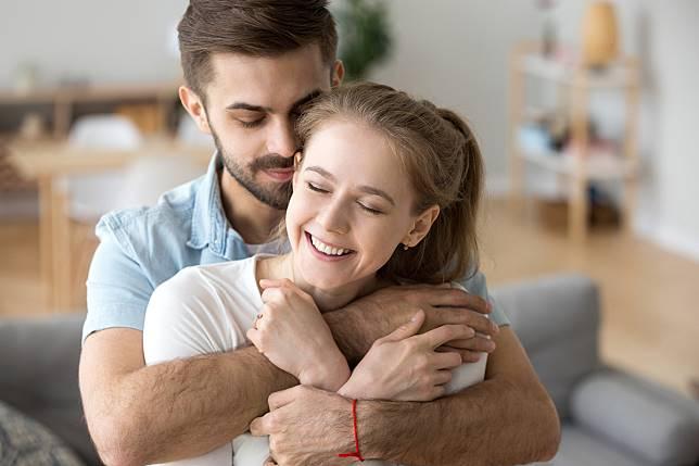 4 Cara untuk Membuat Si Dia Takut Kehilangan Anda