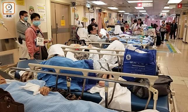 部分醫院隔離病床使用率已達100%。(資料圖片)