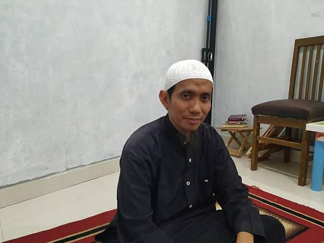 Pimpinan Pesantren Tahfidz Quran Daarul Ilmi Kota Tasikmalaya, ustaz Ahmad Ruslan Abdul Gani, saat ditemui di pesantrennya, Jumat (3/7).