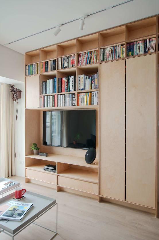 電視牆與藏書櫃