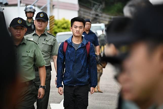 陳同佳今日刑滿出獄。