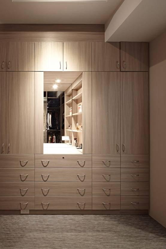 11. 細緻又不失氣勢的櫥櫃。
