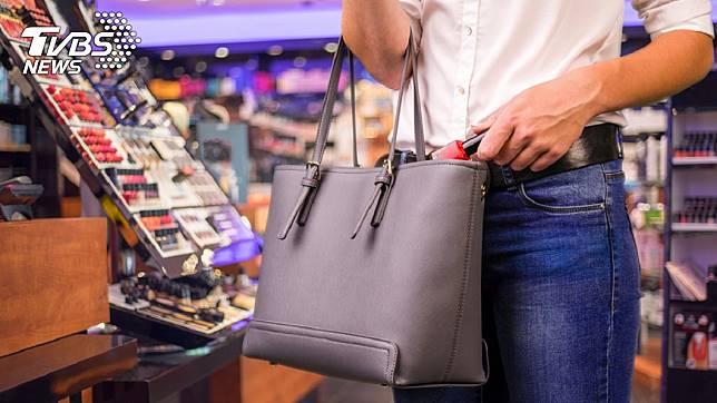 外國有店長刊登「專業小偷」徵人啟事,時薪50英鎊。示意圖/TVBS