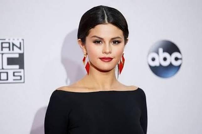 Lagu baru Selena Gomez ditujukan untuk Justin Bieber