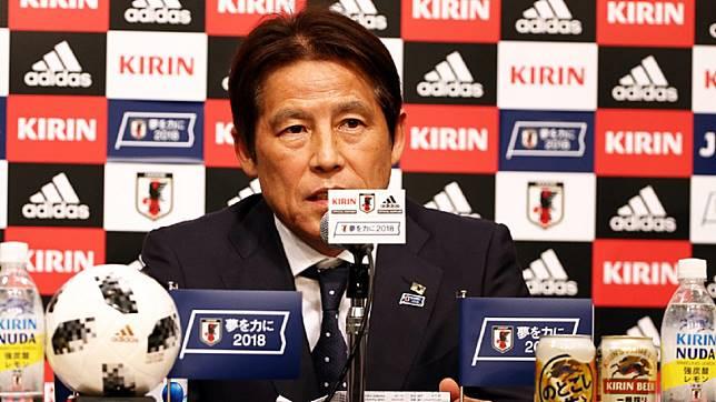 """ระดับโลก!! กุนซือญี่ปุ่นชุดบอลโลก 2018 ยื่นโปรไฟล์ขอคุมทัพ """"ช้างศึก"""""""
