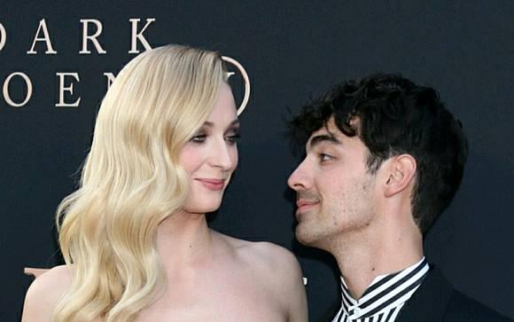 Ini Perjalanan Cinta Sophie Turner dan Joe Jonas Yang Menikah Lagi Di Prancis