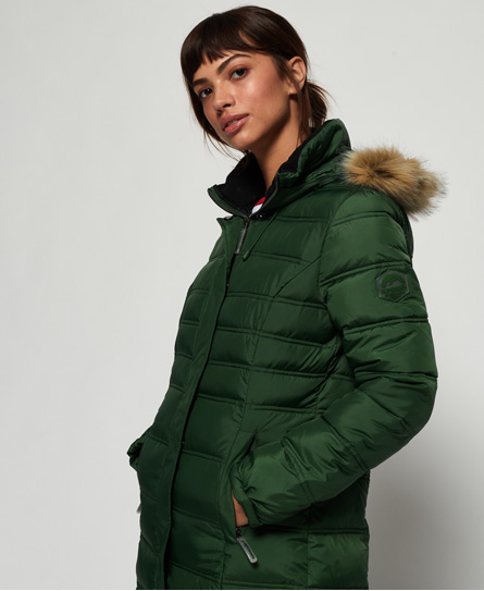 Superdry women's Mountain Super Fuji jacket. Stay warm this winter with this Fuji Jacket featuring a