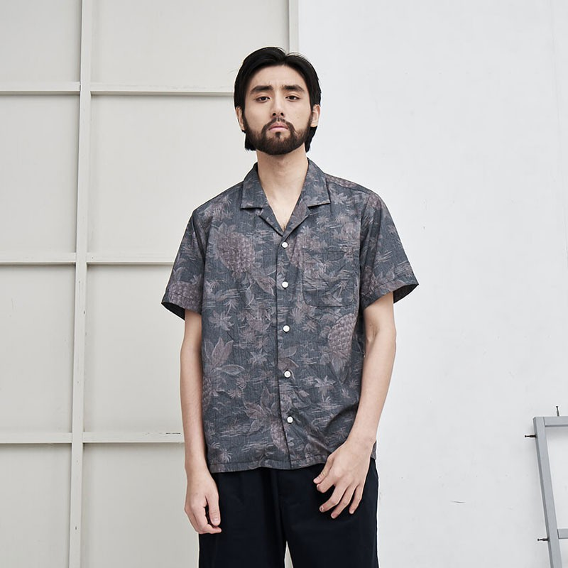 【plain-me】微瑕好物 滿版鳳梨夏威夷襯衫 (黑 ) HOU0210