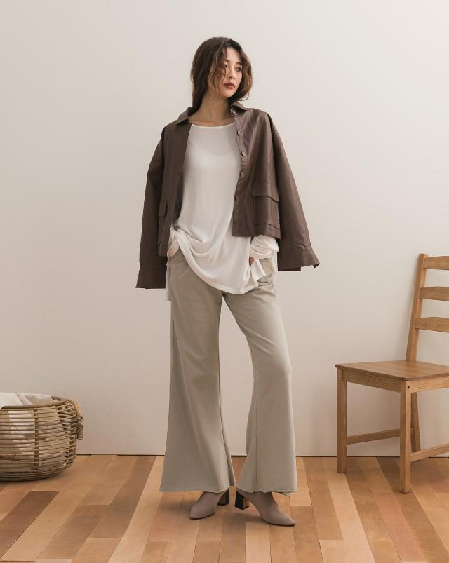 單面刷毛衛衣面料/版型修飾身型/褲口微寬率性感/腰作鬆緊帶/有口袋
