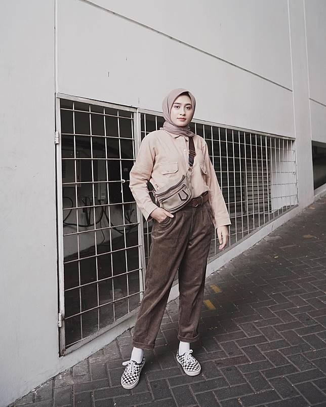 25 Ootd Hijab Sneakers Model Baju Gamis Celana Sepatu