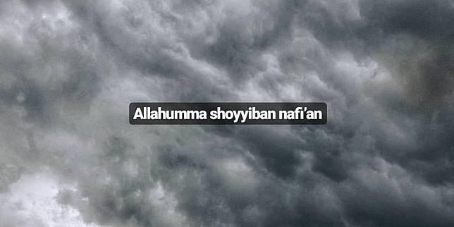 Viral Awan Hitam Besar Di Langit Surabaya Begini Penjelasannya