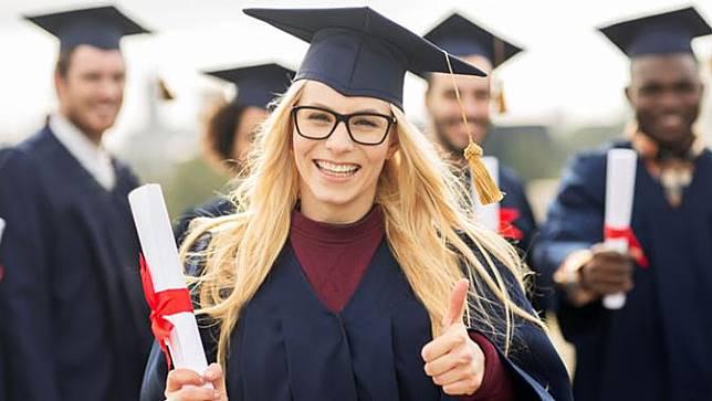 4 Cara Jitu Raih Beasiswa di Universitas Ternama