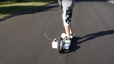 單車改裝變電動長板 丹麥小朋友竟然係D.I.Y.高手