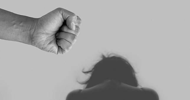 6度猥褻性侵繼女還打斷手 狼父:不給我舒服就要生氣