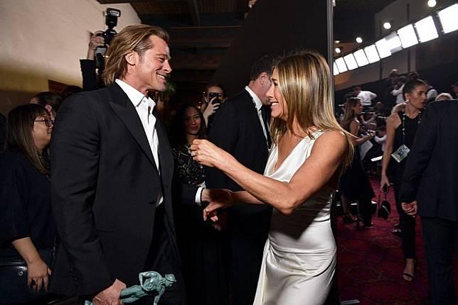 Momen reuni Brad Pitt dan Jennifer Aniston (Foto: gettyimages)