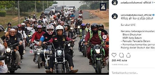 Ustad Abdul Somad pada Sabtu 21 September 2019 mengunggah akun instagramnya mengendarai motor gede usai salat Subuh bersama jamaahnnya di Batam. Sumber: instagram @ustadzabdulsomad_official