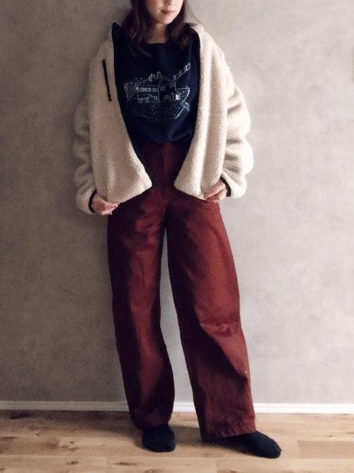 GU 白色寬鬆款毛絨外套
