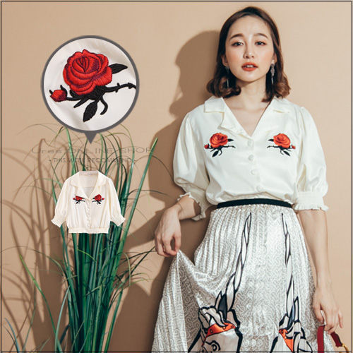 URES 細緻玫瑰刺繡翻領光澤絲質澎澎袖襯衫【881013578】
