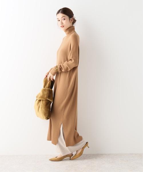 側邊開叉寬鬆高領羅紋針織連身裙