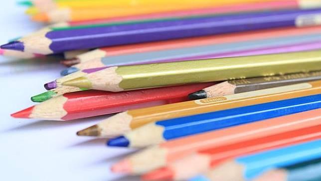 Ilustrasi pensil warna