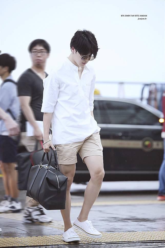 Kasual Nan Trendy Dengan 9 Padu Padan Celana Pendek Ala Jimin