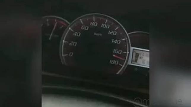 Toyota Avanza Ngebut Hingga 180 Kilometer per Jam. (Instagram/mobilgue)