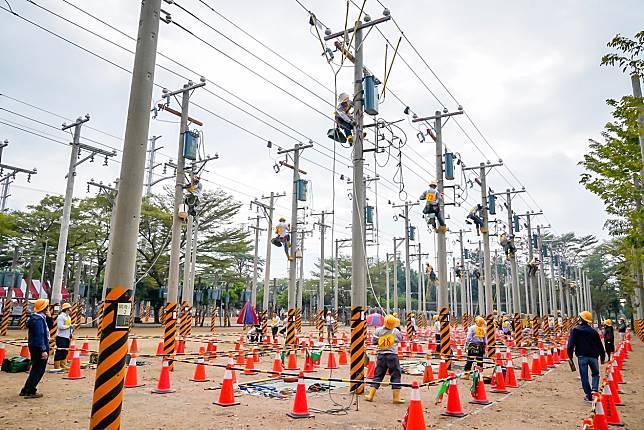 ▲台電今年將再招考超過800名新人,其中最多的配電線路維護類就有419個名額,起薪31,487元。(圖/台電提供)