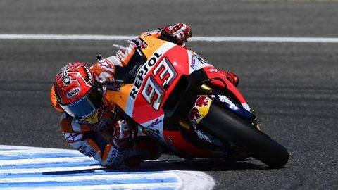 Pembalap Honda Marc Marquez diyakini tidak akan melambat di tikungan 3 di Sirkuit Jerez. (Foto: AFP PHOTO / PIERRE-PHILIPPE MARCOU)