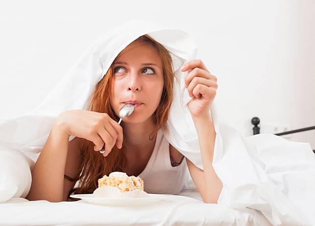5 Kebiasaan Usai Makan yang Tak Baik untuk Kesehatan, Salah Satunya Mandi