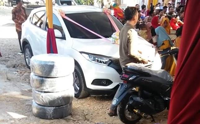 Honda HR-V dan Yamaha NMAX jadi seserahan nikah di Pati, Jawa Tengah