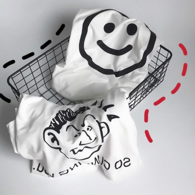 短袖 現貨 百搭T恤 印花T 原宿風 T恤 韓版ins超火喜怒無常T恤女笑臉小醜印花塗鴉白色上衣女 女生衣著
