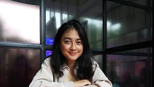 Gara – Gara Meng-cover Lagu, Rahmania Astrini Jadi Penyanyi