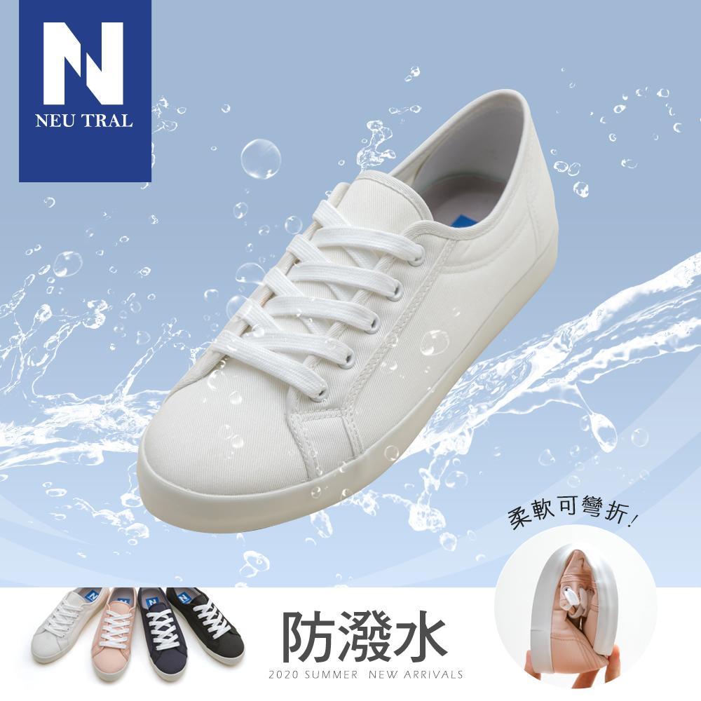 版 型偏小版(大一號購買) 產 地台灣鞋 面防潑水棉布面料 內 裏除臭活性碳乳膠鞋墊 鞋 底橡膠防滑刻紋底 重 量660公克跟 型 筒 高筒 圍踝 圍 前跟高1.8cm後跟高2cm內增高