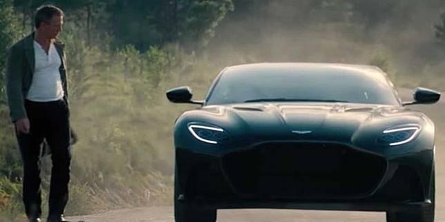 Mobil James Bond (Zing)