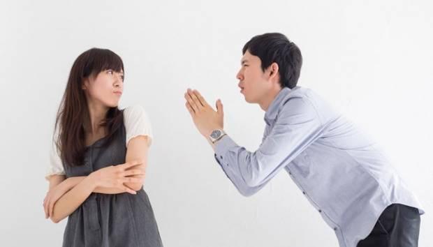 Ilustrasi salah satu pasangan meminta maaf. shutterstock.com