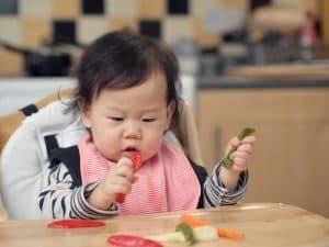 爸媽秒懂!寶寶吃固體食品的3迷思