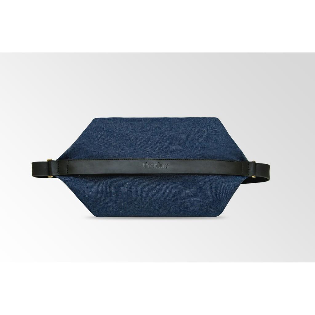 提袋背法可自由搭配長短,滿足各種外出需求。產品規格商品材質:帆布、超纖皮革、磨砂五金尺寸:長(W)40 *寬(d)30 *高(H)3(cm)重量:800克袋口:拉鍊,背帶保養及注意事項※商品圖檔顏色因