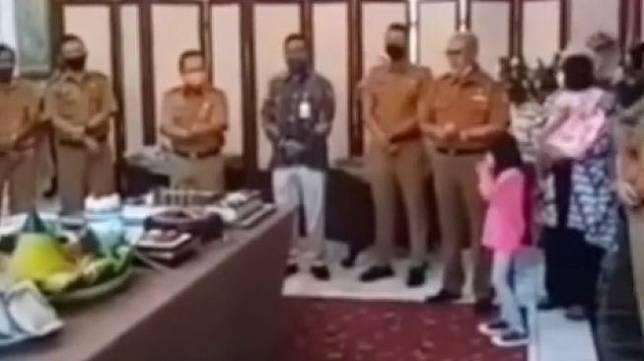 Beredar video pejabat pemerintahan Kabupaten Kuningan menggelar pesta (Instagram).