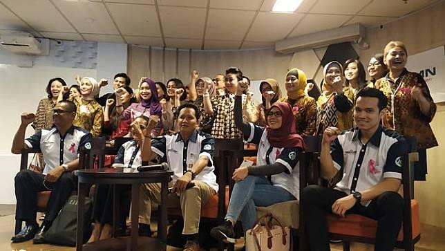 Awak kabin Garuda Indonesia usai bertemu dengan Menteri BUMN
